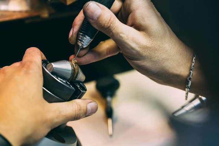 What Are the Benefits of In-House Jewelry Repair?